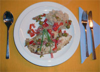 Zoutarm hoofdgerecht: Gegrilde tilapia met auberginepuree. Kook de aardappelen, met een beetje dieetzout, in een bodempje water met de deksel op de pan in 20 minuten gaar.