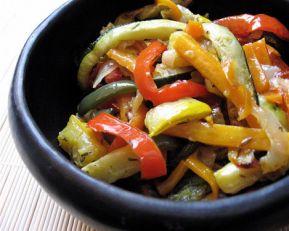 Een lekkere salade van gegrilde groente.